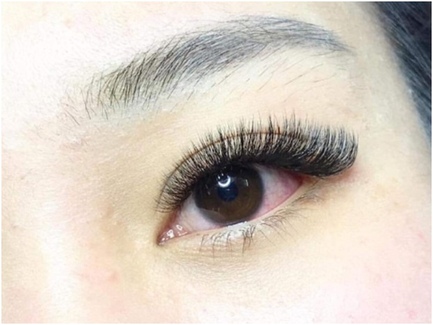 Here's What You Can Look Forward From An Eyelash Extension Treatment